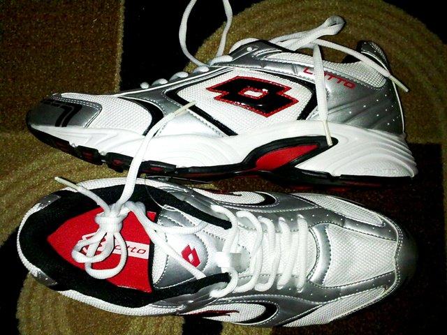 Tips Membeli Sepatu Lari