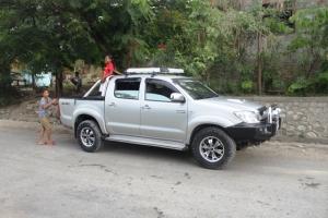 Mobil yang kita tumpangi selama di Timor Leste. Mobil orang sana begini semua.. hihihi..