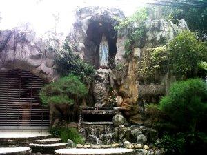 Gua Maria Gereja Santo Kristoforus Grogol