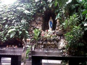 Gua Maria Gereja Santa Perawan Maria Katedral