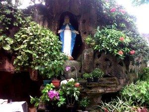 Gua Maria Gereja Kristus Salvator Petamburan